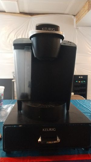 Keurig coffee maker with coffee pod drawer for Sale in Littleton, CO