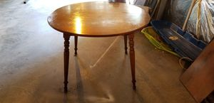 Antique Ethan Allen dining room table with leaves for Sale in Martinsburg, WV