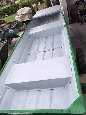 12 ft boat with trailer and trolling motor and battery for Sale in Aloma, FL