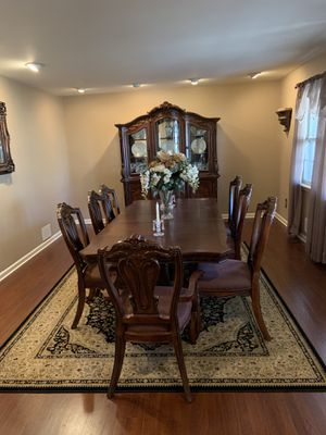 Dining Room Set and Area Rug for Sale in East Brunswick, NJ