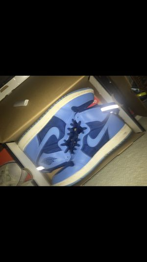 Jordan 1's (iphone camera sucks blurry picture) for Sale in Pittsburgh, PA