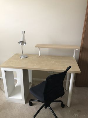 Desk for Sale in Schaumburg, IL