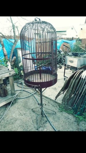 Large bird cage for Sale in Los Angeles, CA