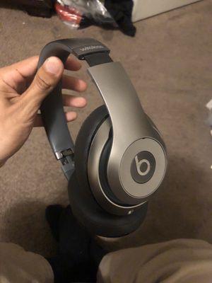 Beats studios wireless headphones for Sale in Los Angeles, CA