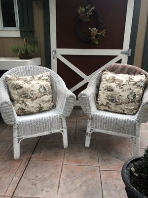Pair of white wicker chairs for Sale in Vancouver, WA