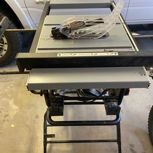"""Delta Table Saw - 10"""" Portable Saw for Sale in Goodyear, AZ"""