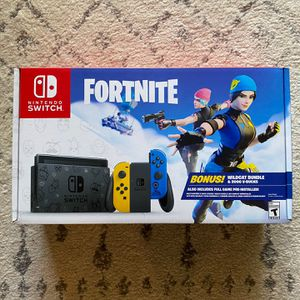 Nintendo Switch Fortnite Wildcat Bundle - NEW WITH CODE for Sale in Doral, FL