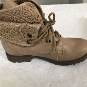 Rock and Candy brown boot size 1 for Sale in Lawrenceburg, KY