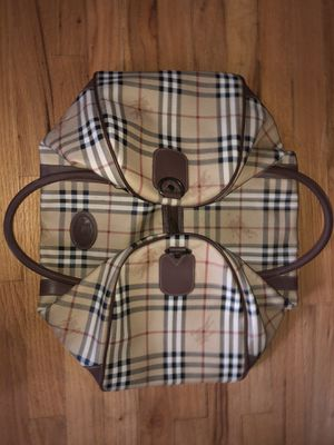 Burberry duffle bag for Sale in Stamford, CT