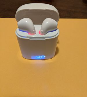 Wireless Bluetooth Headphones With Charging Box for Sale in Glendale, CA