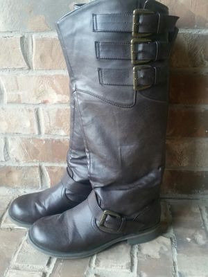 Women's size 7.5 boots for Sale in Fort Worth, TX
