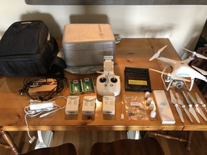 DJI Phantom 4 Pro w/extra batteries & accessories for Sale in Tampa, FL