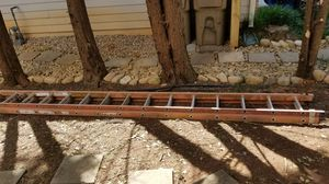 "32"" extension ladder for Sale in Lawrenceville, GA"