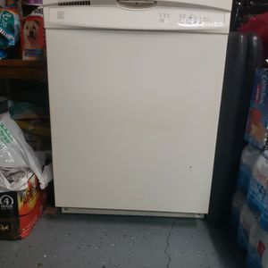 Dishwasher Kenmore for Sale in Jurupa Valley, CA