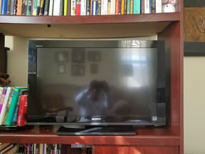 Sony Bravia LCD 32 inch digital color TV for Sale in Staunton, VA