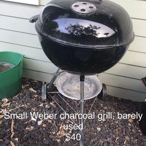 Weber charcoal grill for Sale in Waimea, HI
