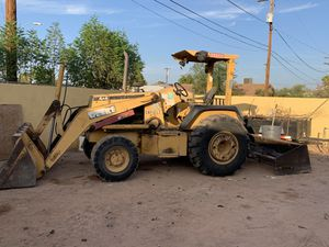 John Deere 210 tractor for Sale in Mesa, AZ