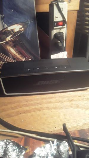 Bose bluetooth speaker for Sale in Bellingham, WA