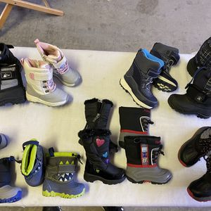 Snow Boots For Kids Size 4,5,6,7,8,9 for Sale in Surprise, AZ
