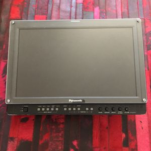 "Panasonic 17"" 1700WP Film Monitor Kit for Sale in Los Angeles, CA"