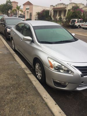 Nissan Altima 2015 Salvage, News tires, new battery for Sale in San Diego, CA
