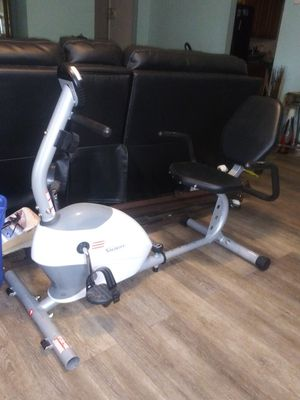 Exercise bike with digital screen for Sale in St. Petersburg, FL