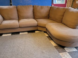 Great Sectional Couch for Sale in Renton,  WA