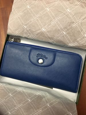 Brand new Longchamp wallet for Sale in Chicago, IL