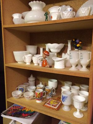 Vintage milk glass variety for Sale in Burien, WA
