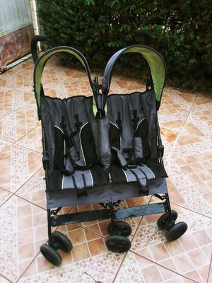 Double stroller for Sale in El Monte, CA