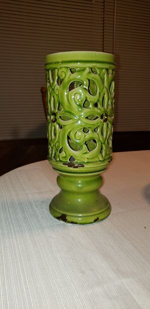 Green decorative vase for Sale in Merced, CA
