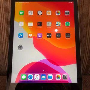 iPad 5 128gb for Sale in Lake Elsinore, CA