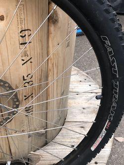 Trek Wheel And Tire for Sale in Wenatchee,  WA