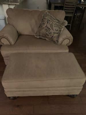 Couch, Loveseat, Chair &Ottoman for Sale in Fresno, CA