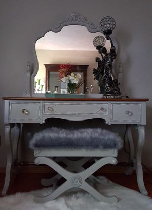 Vanity for Sale in Grand Rapids, MI