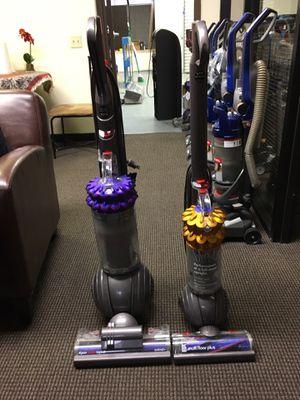 Pack of 2 Dyson vacuums multi floor plus , cinetic bigball for Sale in San Diego, CA