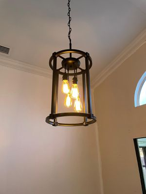 Beautiful chandelier for Sale in Tamarac, FL