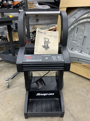 Snap-On Battery Charger EEBC400/ EEBC400F for Sale in Los Angeles, CA