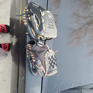 T Ball and Baseball Gloves for Sale in La Puente, CA
