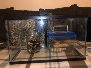 10 gallon fish tank for Sale in Bakersfield, CA