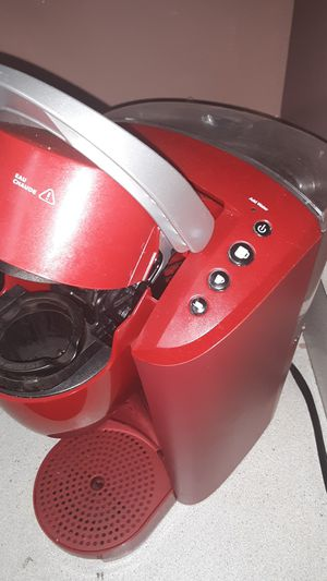 Keurig coffee maker 3 cup size model for Sale in Cleveland, OH