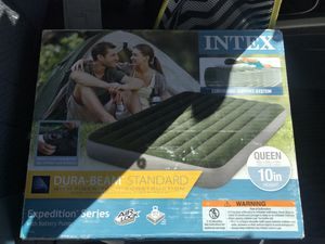 Intex Air Mattress and Pump combo Queen size Brand New for Sale in Los Angeles, CA
