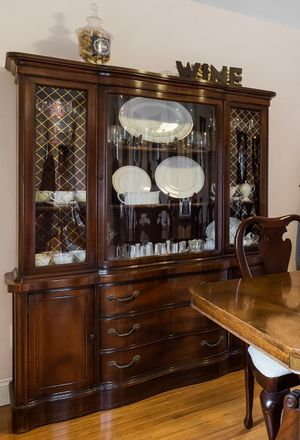 Antique China Cabinet w curved glass for Sale in Marlboro Township, NJ