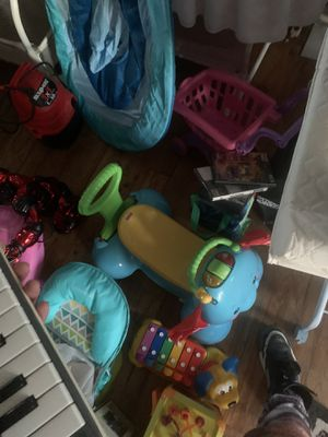 Toys games cd beach for Sale in Alexandria, VA