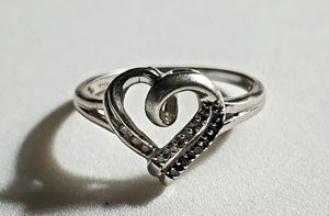 ESTATE STERLING SILVER GENUINE WHITE AND BLACK DIAMOND HEART RING SZ 7.25 for Sale in East Providence, RI
