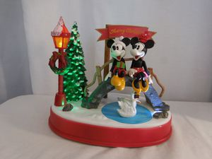 Mickey & Minnie Swan Lake Christmas Music Animated Table Top Decor Mouse Disney Sound and lights work need 3 AA battery's for Sale in Lake Elsinore, CA