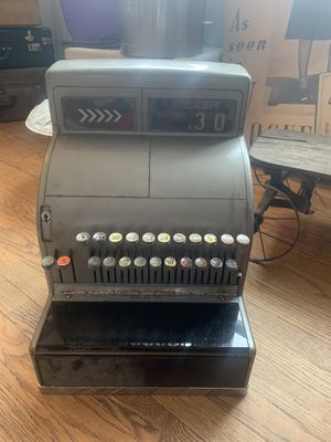 Antique vintage cash register —Still works for Sale in Cincinnati, OH