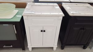 """24"""" Vanity ( With Top , Back Splash , And Mirror ) for Sale in Orlando, FL"""