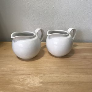 villeroy & boch 0181 creamer Jugs (set of 2) for Sale in Hollywood, FL