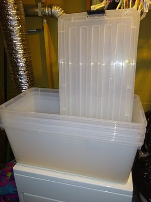 4) 22.75 Gallon Clear Tote with locking Lid for Sale in Germantown, MD